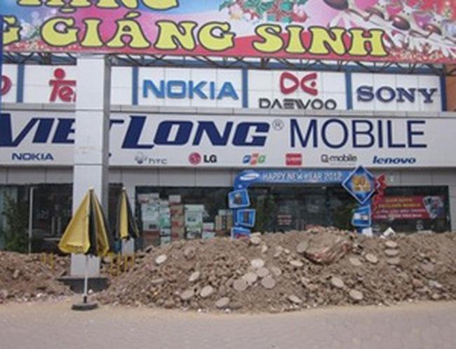 """Vụ """"đào hào"""" tại siêu thị Việt Long: Xuất hiện bên thứ ba"""