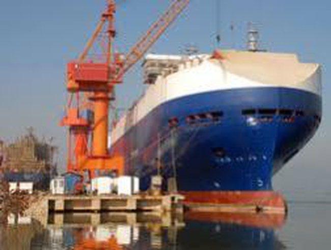 Vinashin kêu khổ vì hàng hoá bị ách lại ở cảng Hải Phòng