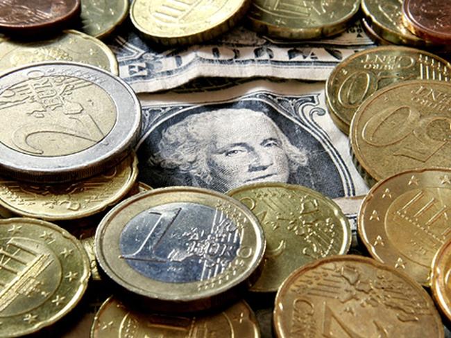 Đồng USD hạ giá trên thị trường thế giới