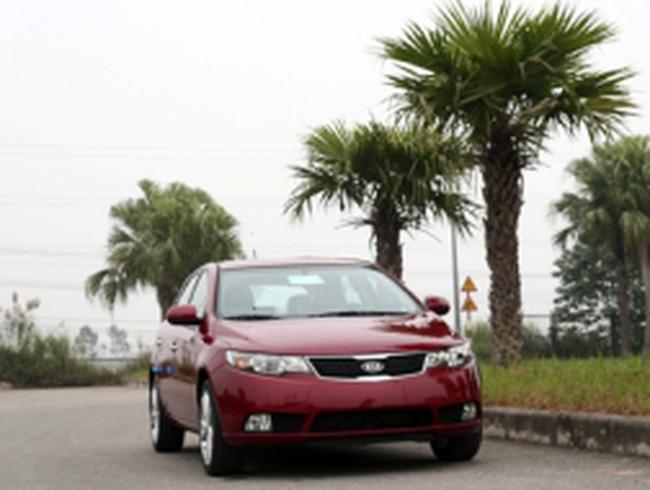10 xe du lịch bán chạy nhất Việt Nam năm 2011