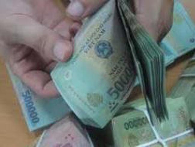 Tiền thưởng Tết Nguyên đán bình quân 2012 tăng 120% so với năm trước
