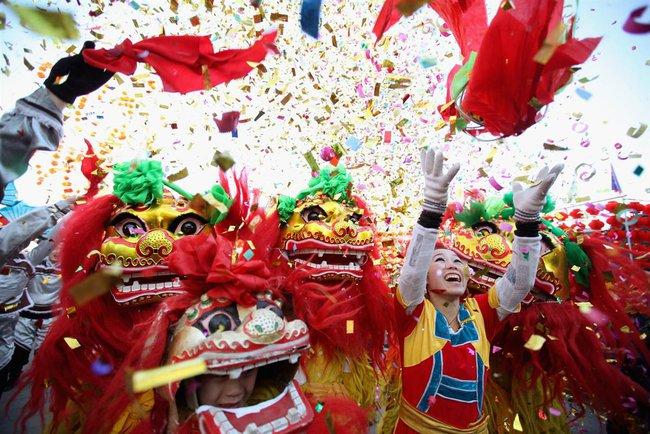 Ngày tết Nhâm Thìn rực rỡ và hoành tráng khắp châu Á