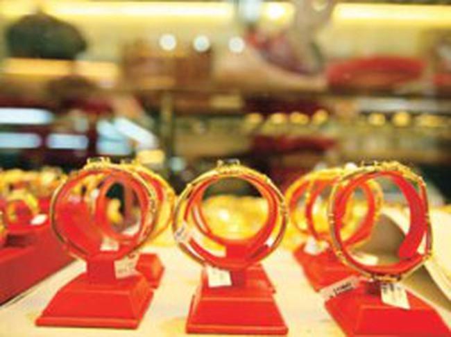 Khai xuân, giá vàng tăng 1,2 triệu đồng/lượng
