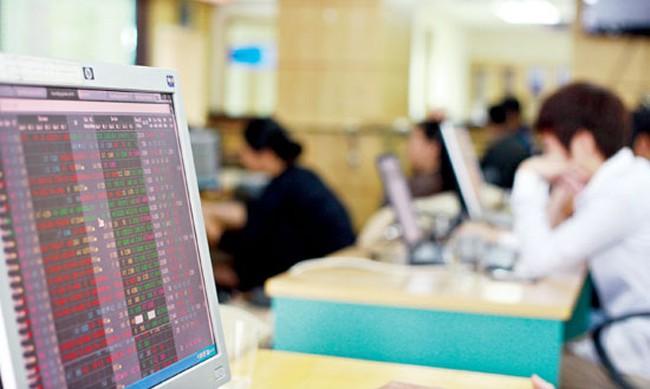 VN-Index tăng gần 12 điểm trong ngày đầu năm mới Nhâm Thìn
