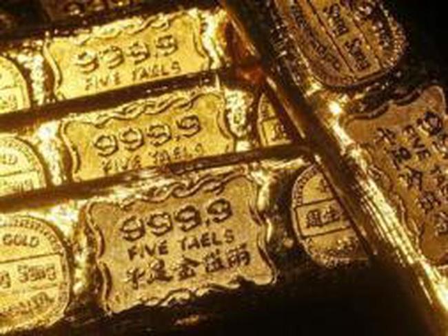Giá vàng rời mức cao 7 tuần do chốt lời