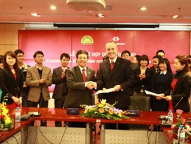 Tài trợ 600 tỷ đồng cho Đạm Ninh Bình-Techcombank định hướng ưu tiên tín dụng cho ngành nông nghiệp