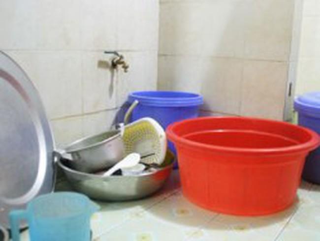 Hà Nội: Lao đao vì 4 ngày không nước sạch