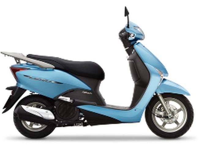 Honda ra mắt xe Lead màu mới, giá tăng