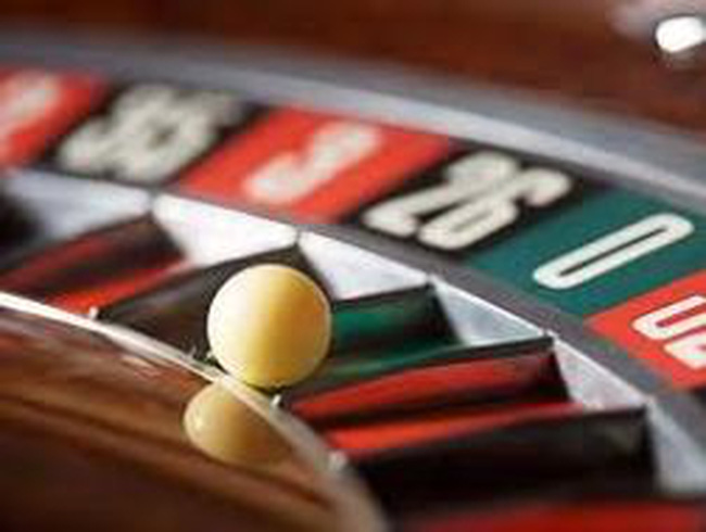 """Chính phủ """"đang xem xét"""" cơ chế cho casino và cá cược"""