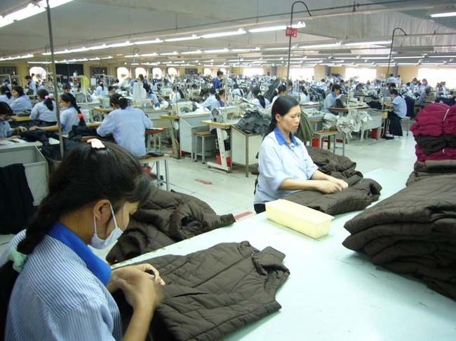 """Doanh nghiệp dệt may vẫn có dấu hiệu """"đói"""" đơn hàng"""