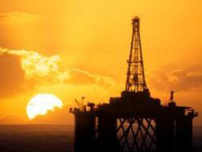 Giảm gần 2%, giá dầu xuống dưới 105 USD/thùng