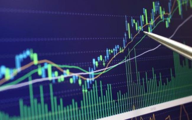 Chứng khoán lo gì khi giá xăng tăng?