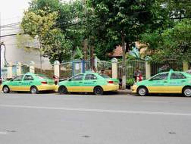 Doanh nghiệp vận tải, taxi rậm rịch tăng cước
