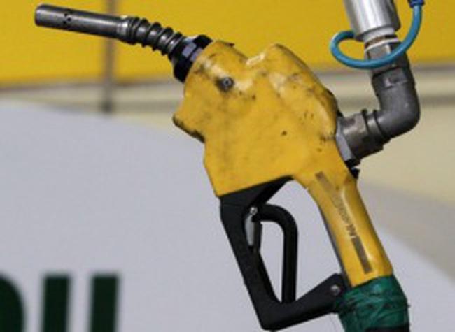 Giá xăng dầu tăng: Nhà đầu tư phải cân nhắc hơn