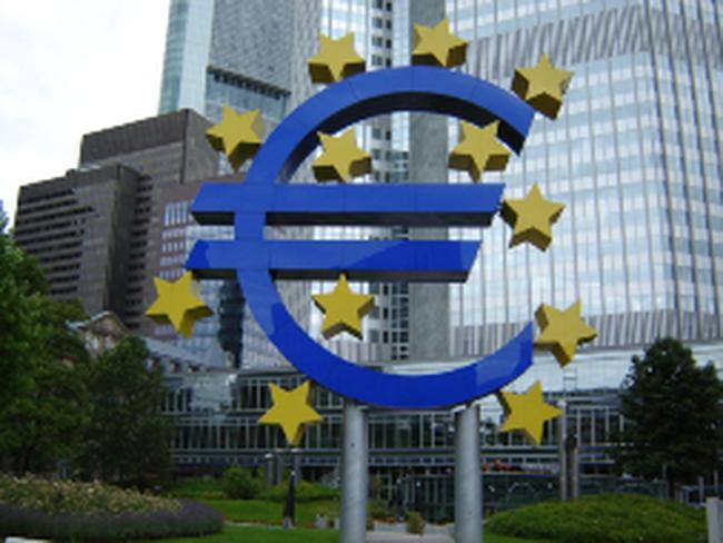 ECB, BOE và BOC giữ nguyên lãi suất cơ bản