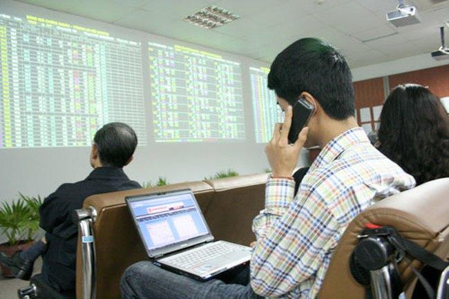 """Đóng cửa 9/3: VN-Index tăng trở lại, STB, HAG """"ghìm cương"""" VN30-Index"""