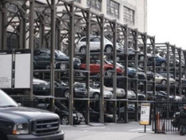 Hà Nội gấp rút thí điểm lắp dựng dàn thép đỗ xe