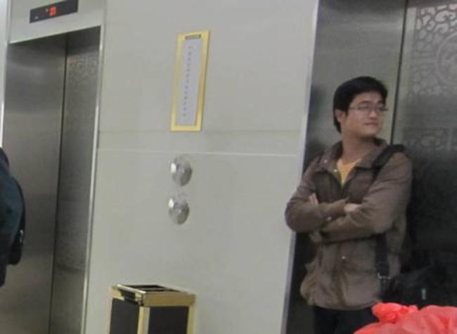 """Thang máy """"siêu chờ"""" ở tòa nhà Charmvit"""