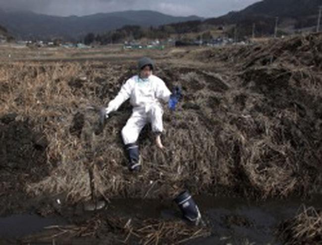 Cả nước Nhật lặng yên trong ngày kỷ niệm 1 năm thảm họa kép