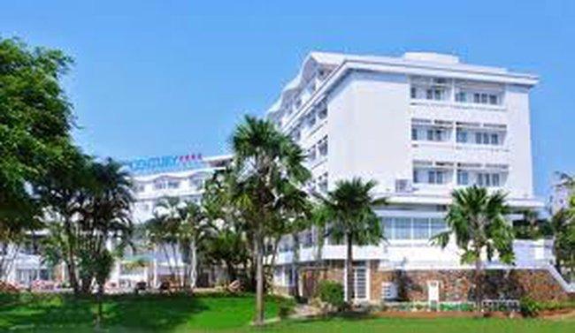 Huế mua lại khách sạn Century