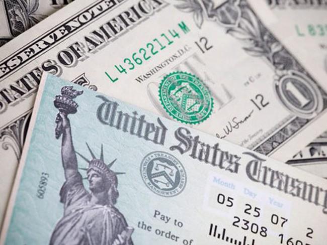 """Các ngân hàng thương mại Mỹ """"mạnh tay"""" mua vào trái phiếu chính phủ"""