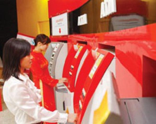 Lãi suất hạ: Dịch vụ soán ngôi tín dụng