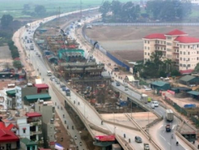 Hà Nội phân luồng giao thông trên đường Phạm Hùng