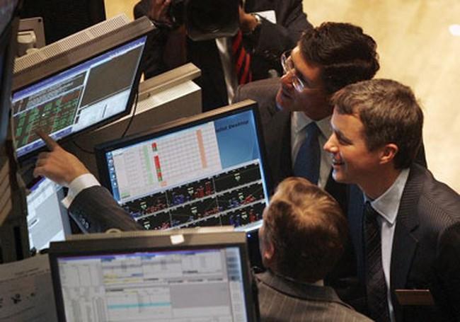 S&P 500 vượt 1.400 điểm lần đầu tiên kể từ 2008