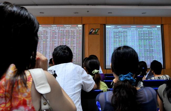 Cổ phiếu chứng khoán tăng mạnh, VN-Index bất ngờ mất điểm cuối phiên