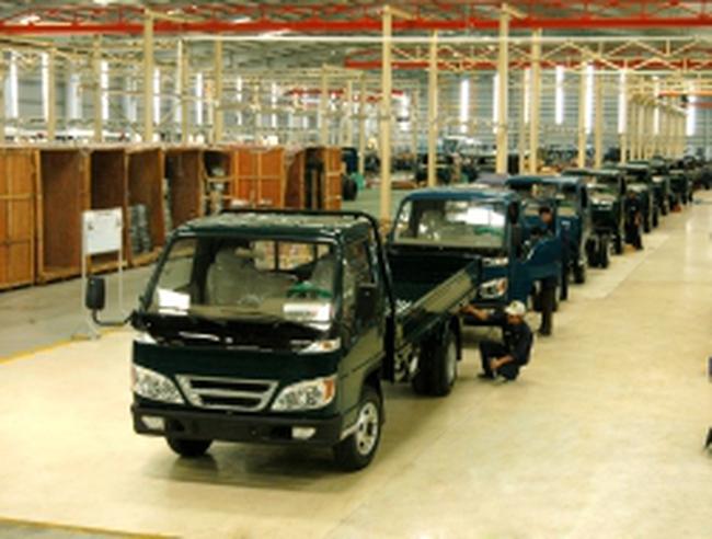 """Những """"điểm chết"""" của ngành công nghiệp ô tô Việt Nam"""