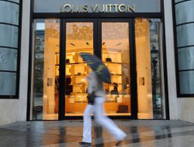 Ngành sản xuất đồ hiệu 17 tỷ USD của Pháp sẽ ra sao sau bầu cử Tổng thống?