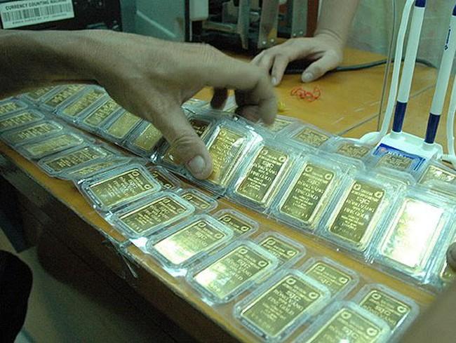 Buôn lậu vàng và buôn bán ngoại tệ trái phép vẫn diễn ra phổ biến