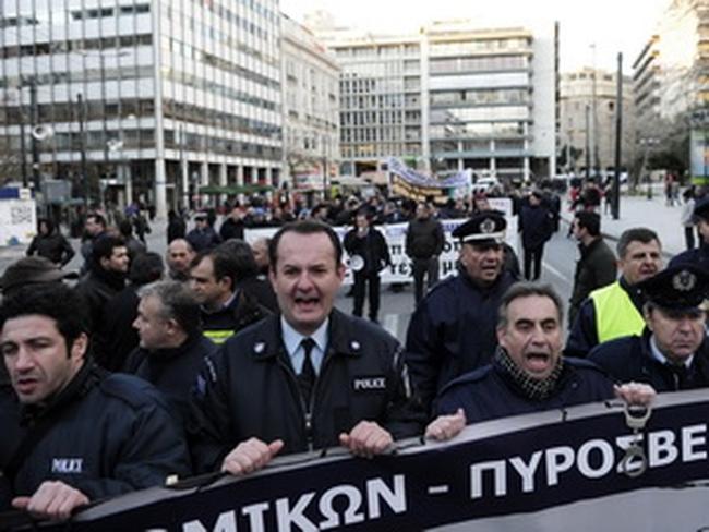 Hy Lạp thông qua thỏa thuận về gói cứu trợ thứ hai