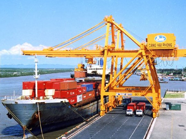 Bộ Công an đề xuất dừng hình thức kinh doanh tạm nhập tái xuất