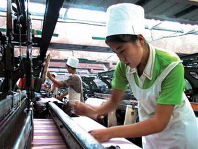 Nhật Bản bất ngờ công bố thặng dư thương mại