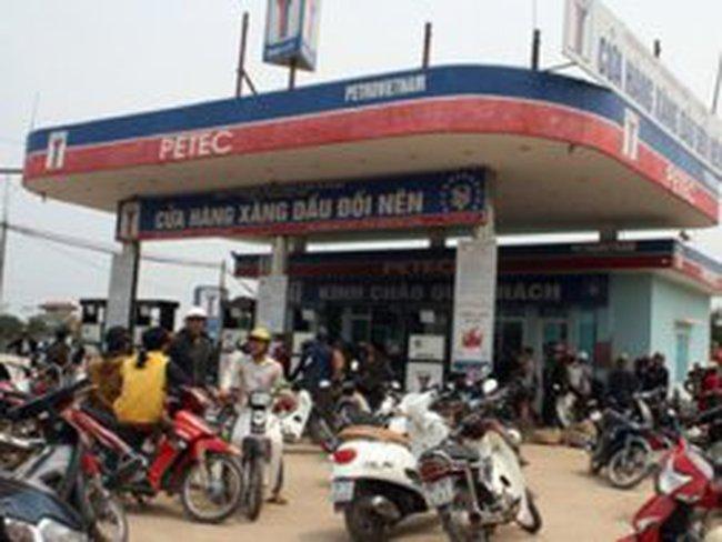 """Tổng Petec lên tiếng vụ cửa hàng nghi bán xăng """"bẩn"""" tại Bắc Giang"""