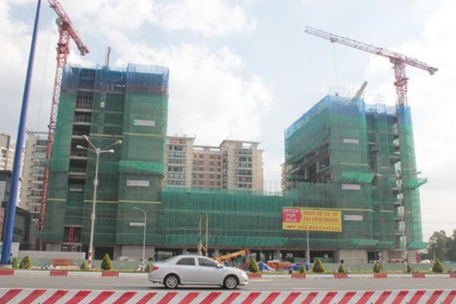 Thị trường bất động sản: 'Nội' thâu tóm 'ngoại'