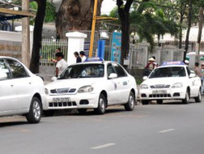 'Taxi bị coi là xe cá nhân, cước có thể tăng 5.000 đồng một km'