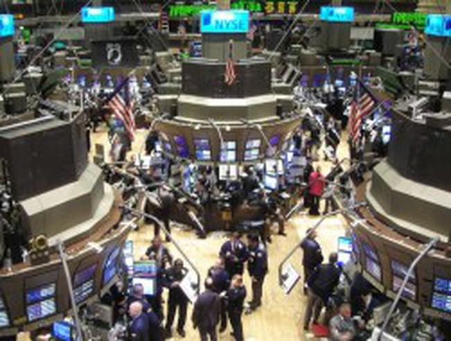 Phố Wall đồng loạt tăng điểm sau phát biểu của chủ tịch Fed