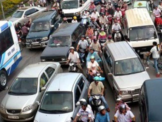 Hà Nội xin tăng thu phí phương tiện giao thông cá nhân