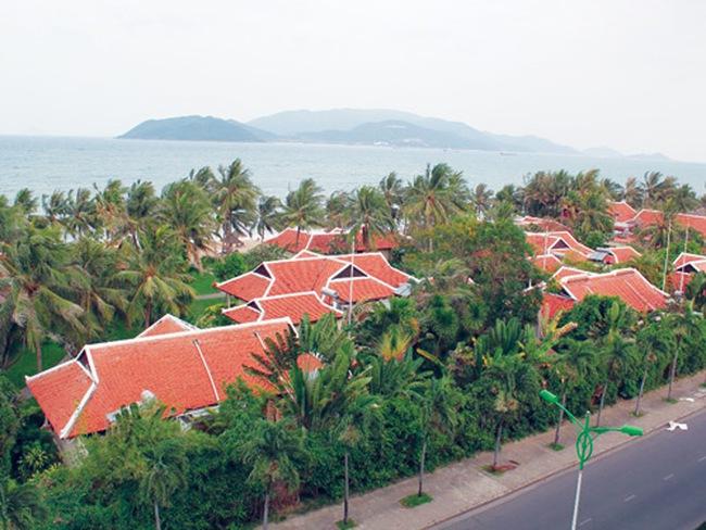 Dẹp bỏ nhiều công trình trên biển Nha Trang