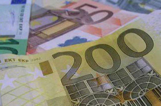 Fitch: Kinh tế toàn cầu vẫn chông chênh