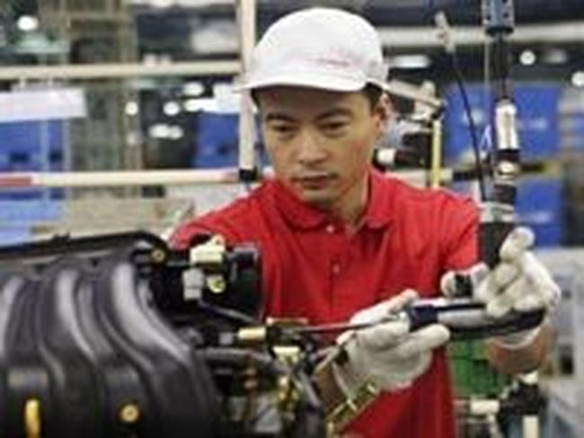 Sản lượng công nghiệp Nhật Bản bất ngờ giảm