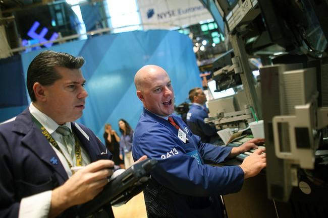 S&P 500 khép lại quý tăng điểm mạnh nhất trong 14 năm