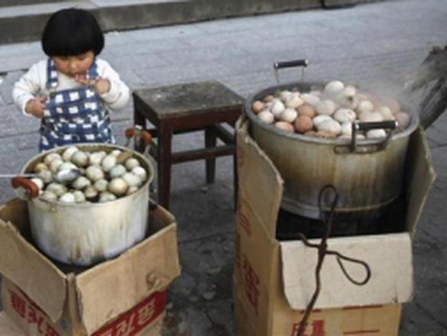 Trứng luộc nước tiểu bé trai- cao lương ở Đông Dương, Trung Quốc