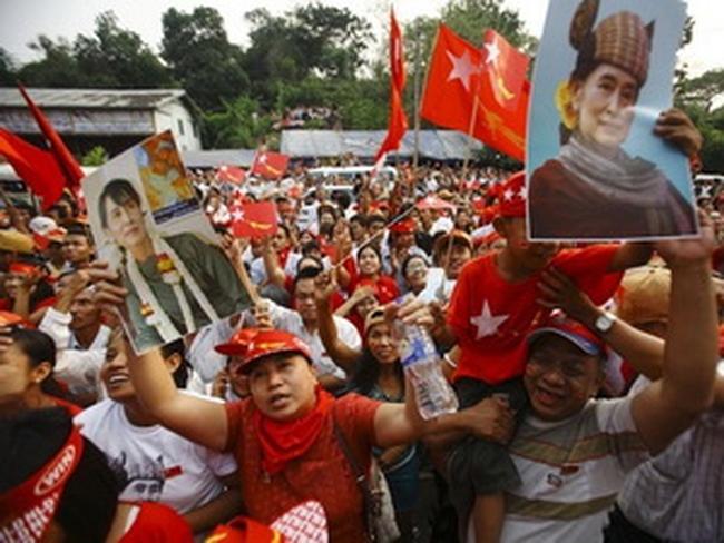 Bà San Suu Kyi thắng vang dội trong cuộc bầu cử tại Myanmar