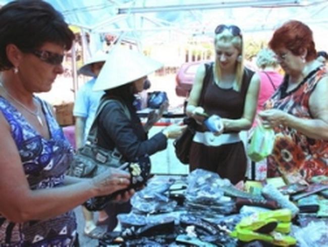 TP.HCM và Vân Nam hợp tác thương mại, du lịch