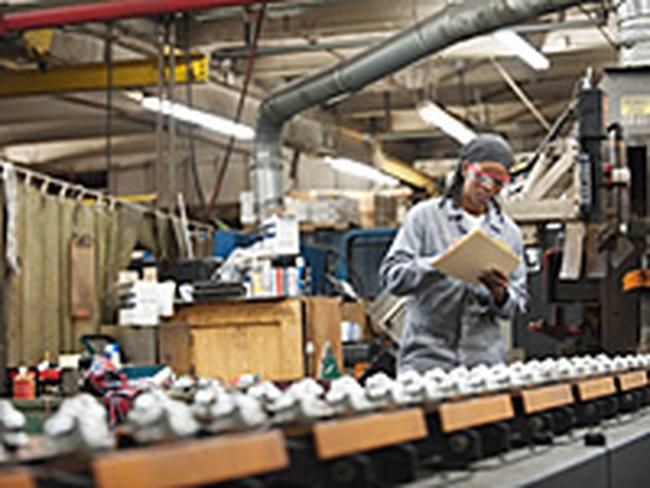 Sản xuất của Anh tăng mạnh nhất trong 10 tháng