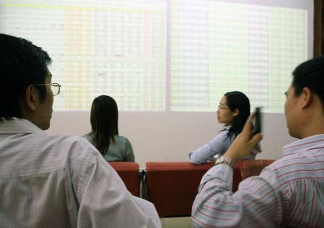 Đóng cửa phiên 3/4: HNX-Index tăng hơn 3%, 15/26 cổ phiếu chứng khoán tăng trần