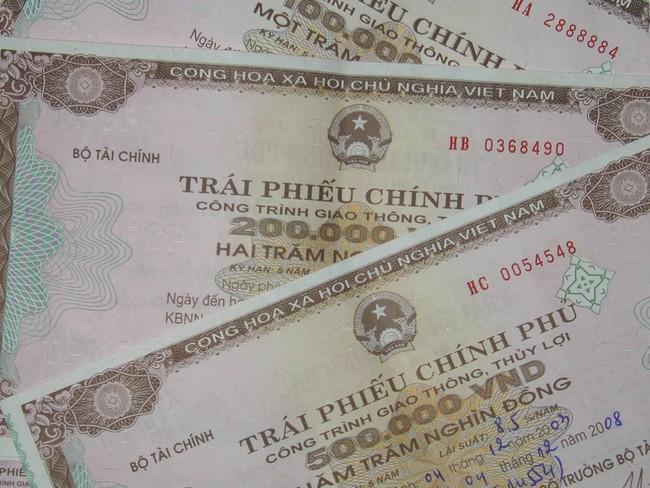 Bán thành công gần 30 nghìn tỷ đồng Trái phiếu chính phủ trong Q1/2012